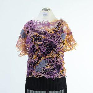 Shirt in Crazytechnik individuell, einmalig, eigene Stoffherstellung in lilagelb Tönen mit Spitze Inkrustation