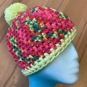 Mütze pink meliert mit Bommel gehäkelt Wolle von Pro Lana