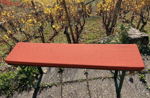 wir haben hier ein hochwertiges Polster in orange für eine Bierbank, Größe individuell anpassbar